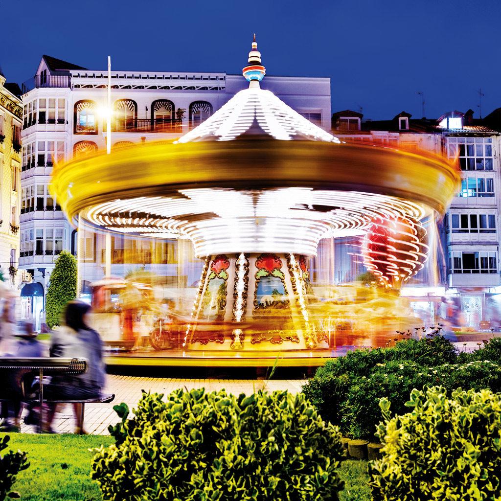 rotating-classical-carousel