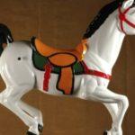 Sulky-horse-white