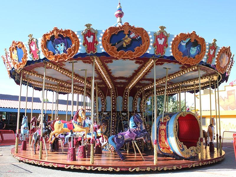 Theming carousel figures/ Theming merry-go- round  主题定制转马和骑乘插图